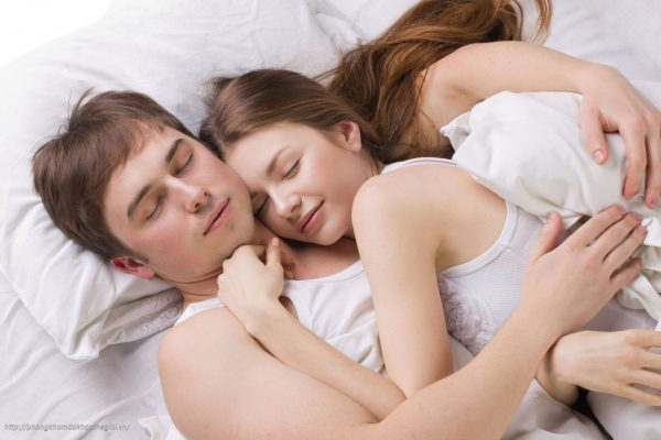 Kết quả hình ảnh cho Ra khí hư lẫn máu sau khi quan hệ: dấu hiệu cần quan tâm